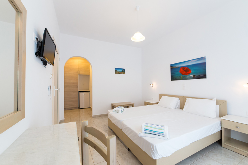 Double Rooms- Theologos beach Antiparos